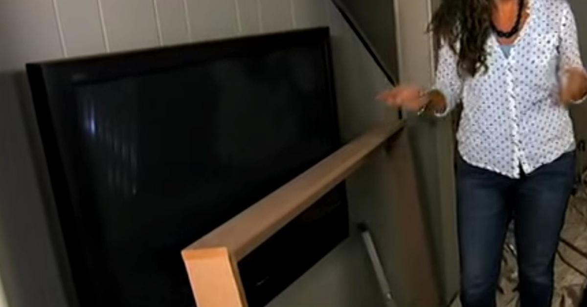 questa cornice per la vostra tv a schermo piatto perfetta per il soggiorno. Black Bedroom Furniture Sets. Home Design Ideas