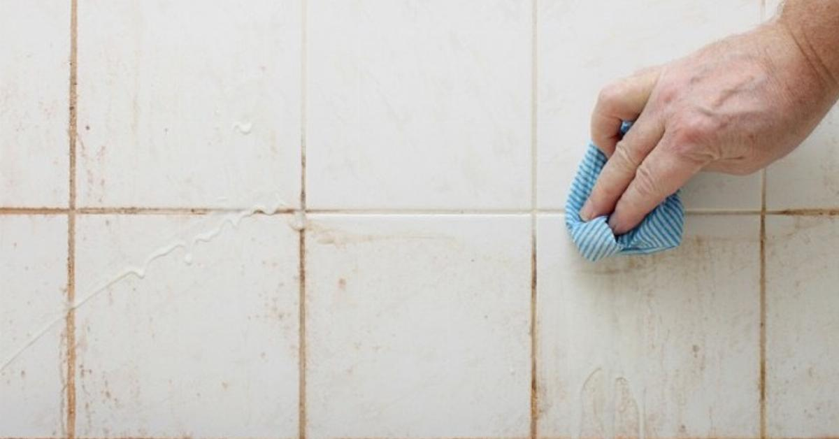 Detergente fatto in casa: imbattibile per pulire la doccia.