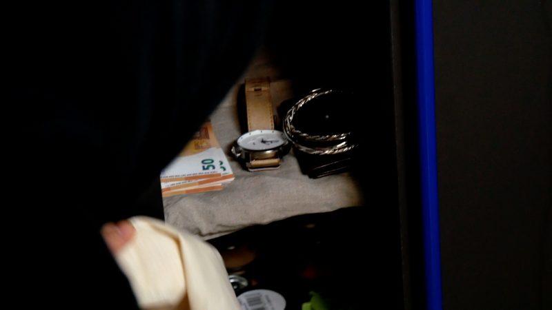 7 ingegnosi nascondigli segreti dove nascondere i soldi o le chiavi di casa - Dove nascondere i soldi in casa ...