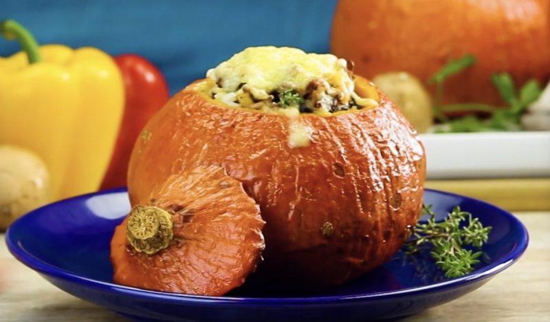 Ricette Con Zucca Hokkaido.Ricette Autunnali Zucca Al Forno Con Carne Macinata E Riso Con Verdure