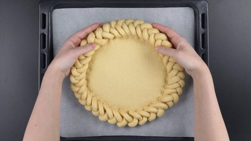 treccia dolce di pasta lievitata