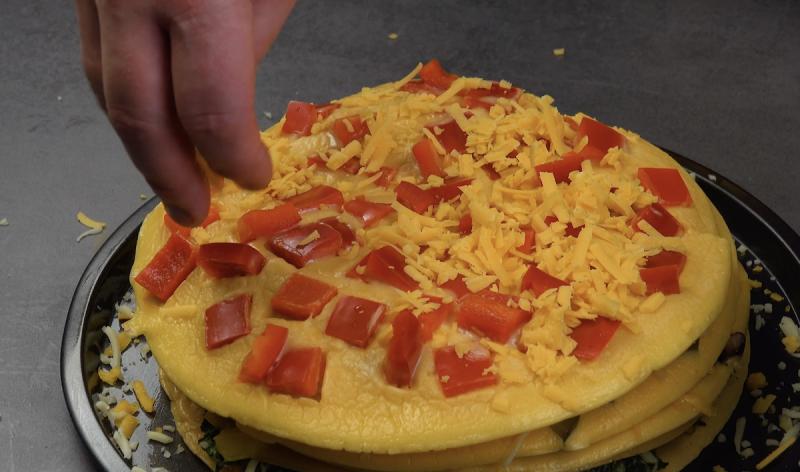 frittata ripiena al peperone rosso