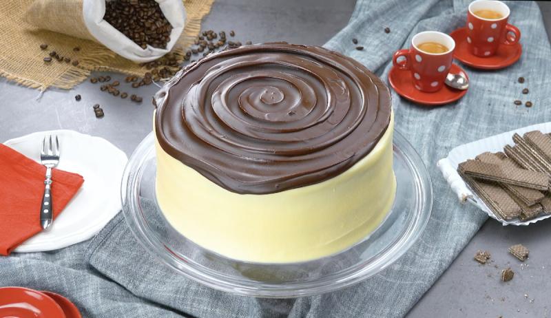 Ricetta torta tiramisù ricoperta di crema ganache al cioccolato