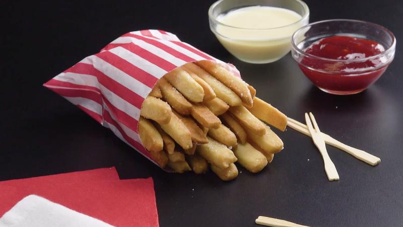 biscotti al burro che sembrano patatite fritte