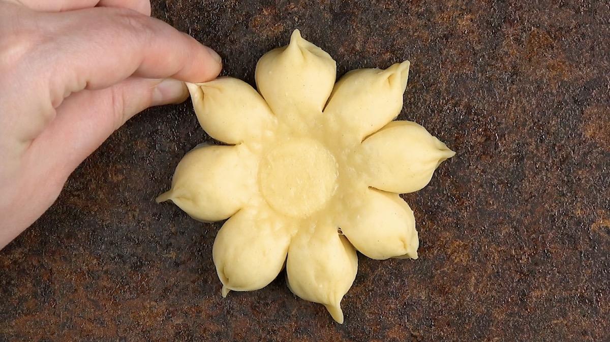 Fiore di pasta lievitata