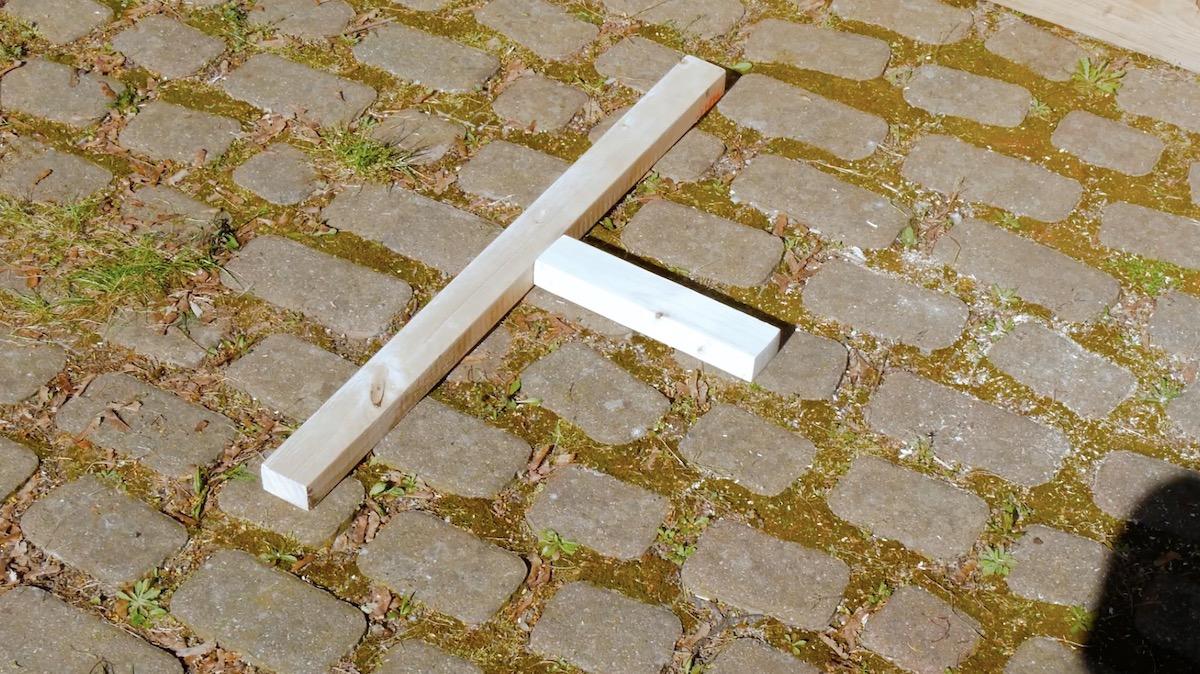 Montaggio delle assi di legno
