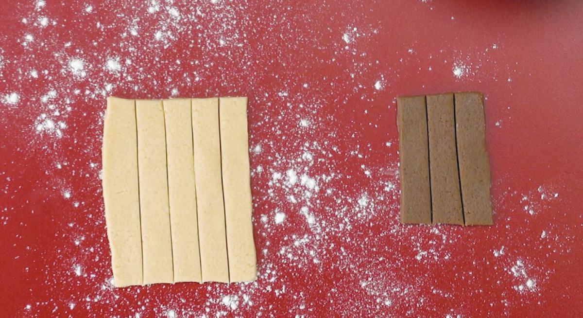 Strisce di pasta frolla alla vaniglia e al cioccolato