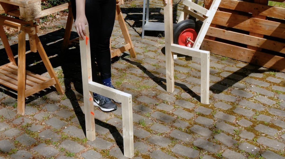 Struttura laterale della panchina in legno