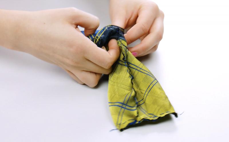 Tessuto della cravatta capovolto