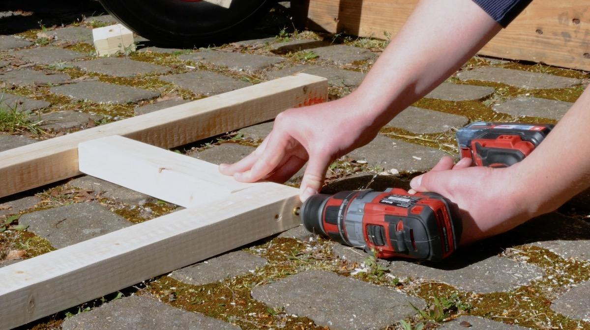 Fissaggio dei listelli di legno