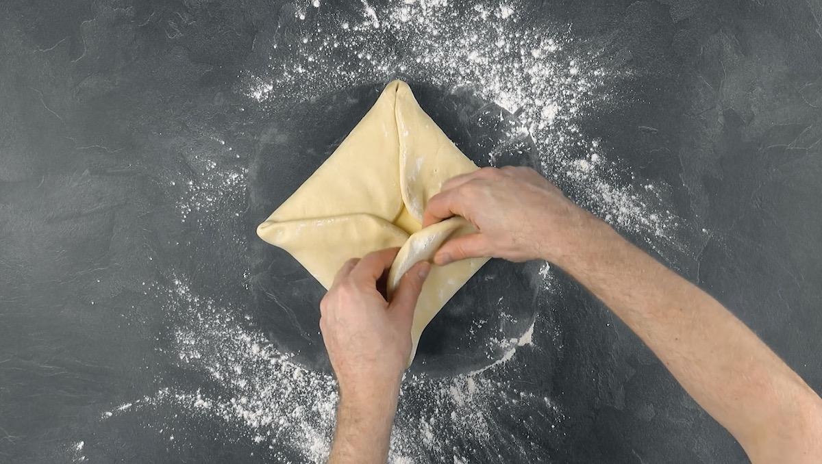 Burro avvolto nella pasta lievitata