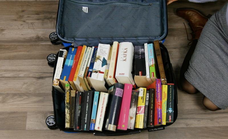 Libri in valigia trolley