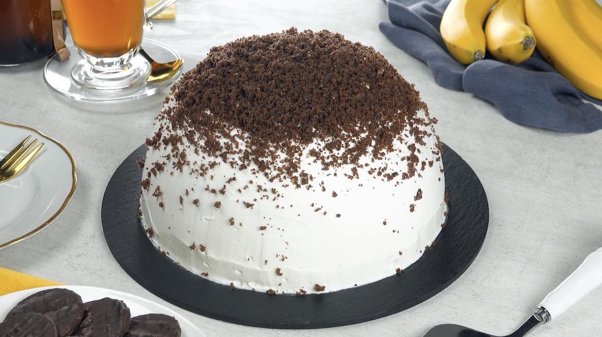 Torta al cioccolato con panna montata