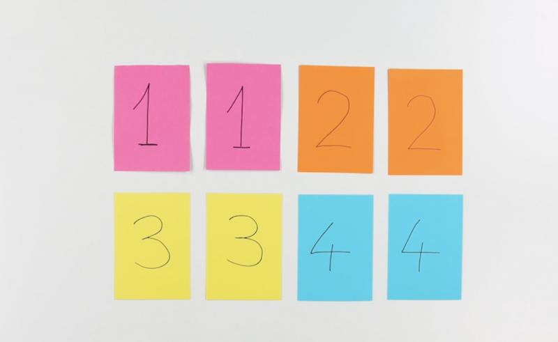 Cartoncini colorati con numeri