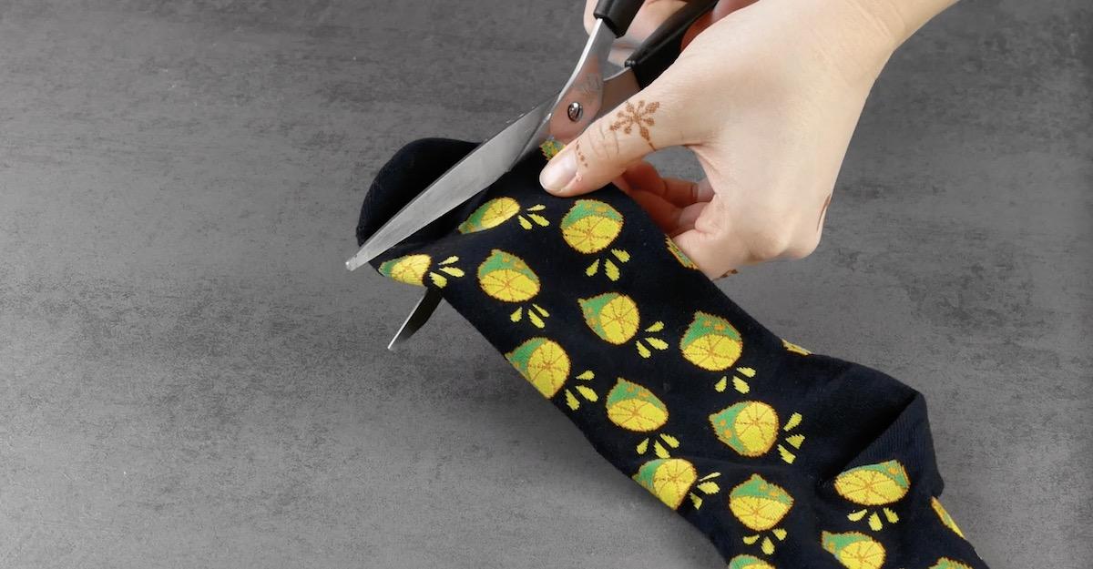 Taglio della punta del calzino