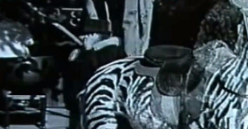 Foto in bainco e nero di un film di Chaplin