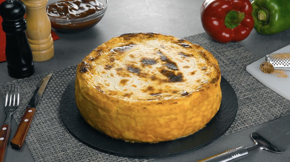 Torta salata con purè di patate e carne macinata