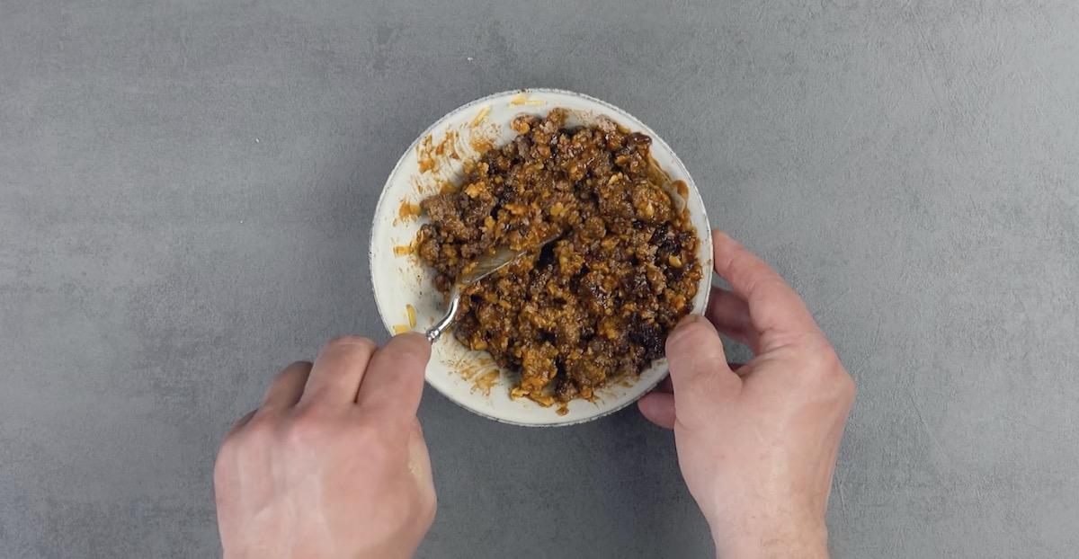 Ripieno di carne macinata condita in una scodella