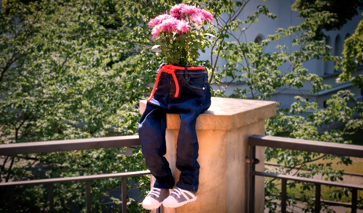 Decorazione giardino fai da te con il riciclo creativo dei jeans