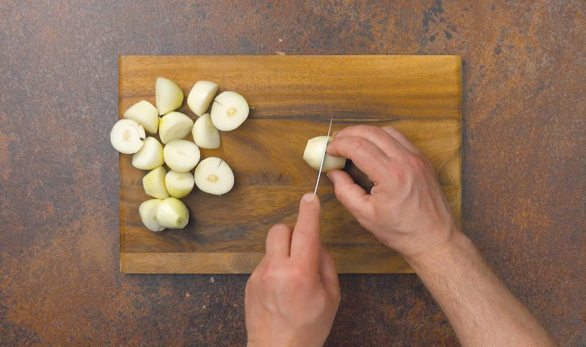 Cipolle tagliate a metà