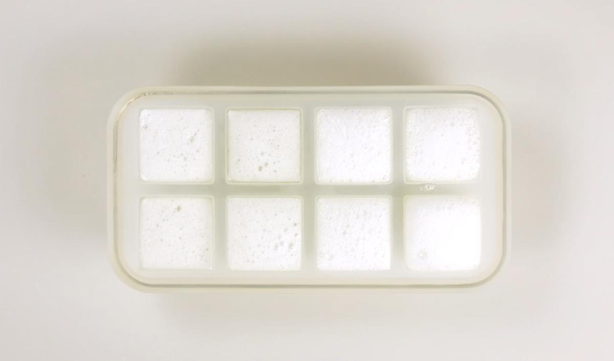 Cubetti di ghiaccio all'aloe vera