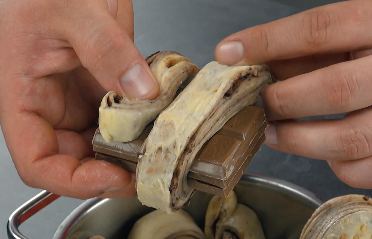 Barretta di cioccolato con pasta sfoglia