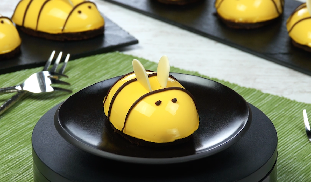 Mini cheesecake a forma di ape