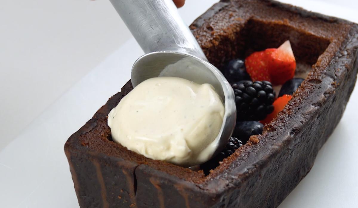 Frutti di bosco e gelato alla vaniglia