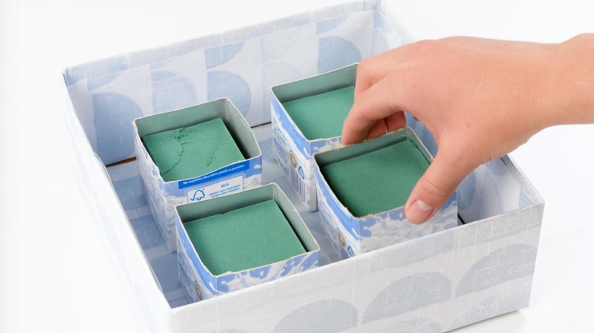 Tetra Pak con spugna per fiori in scatola di cartone
