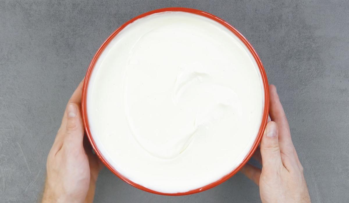 Crema al cioccolato bianco con panna montata