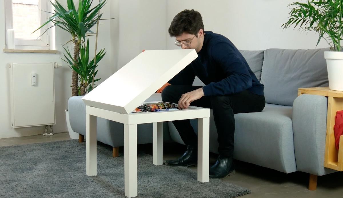 Tavolino IKEA con scomparto nascosto