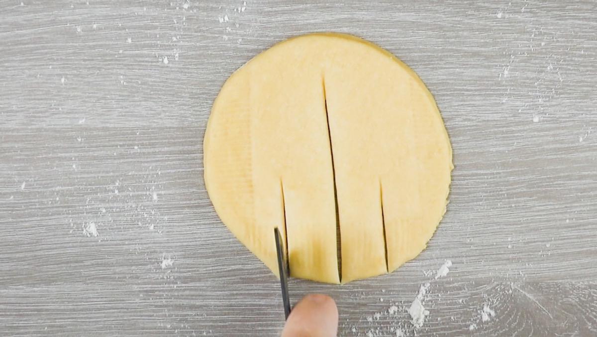 Pasta lievitata intagliata