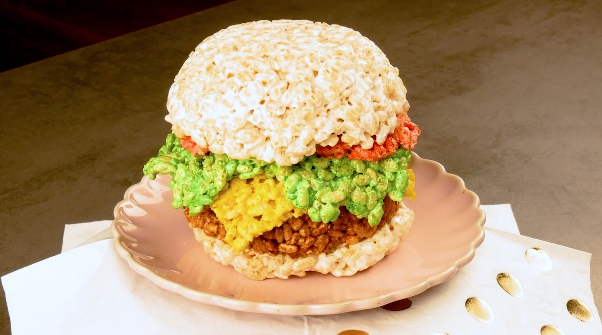 Hamburger dolce fatto con i rice krispies