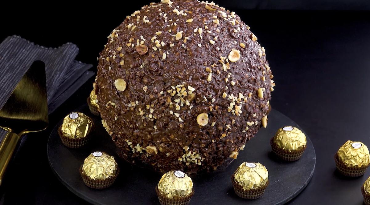 Il Ferrero Rocher più grande del sistema solare