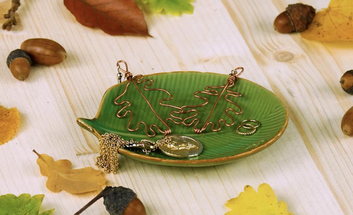 Orecchini fai da te a forma di foglie autunnali