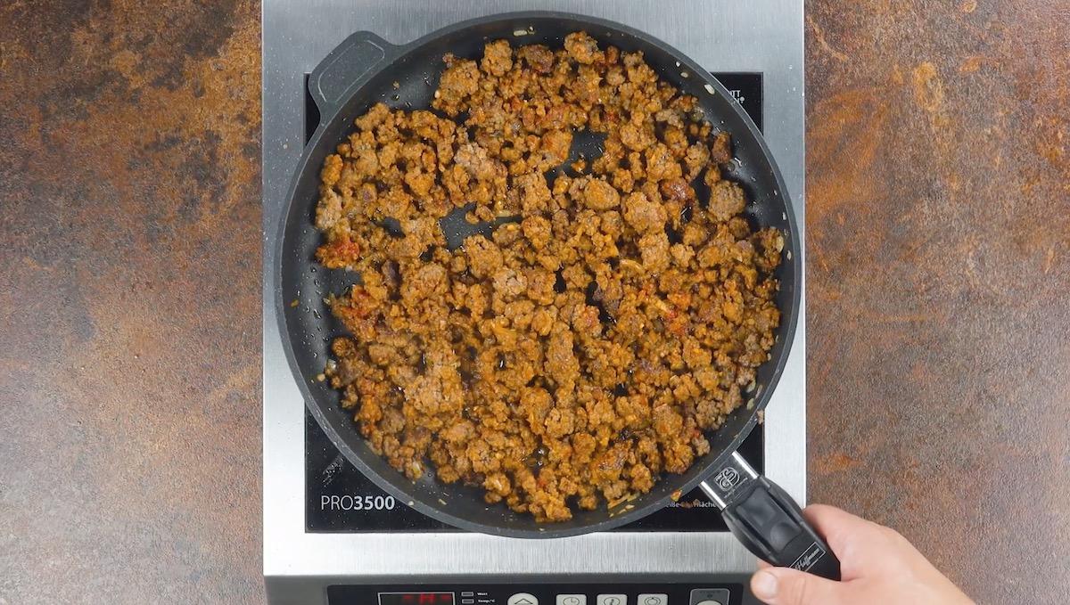 Carne macinata e cuoce in padella