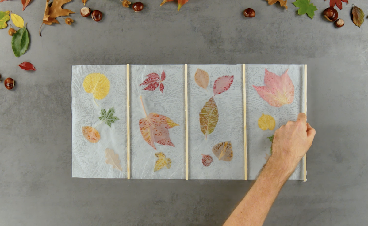 Listelli di legno sulla carta cerata
