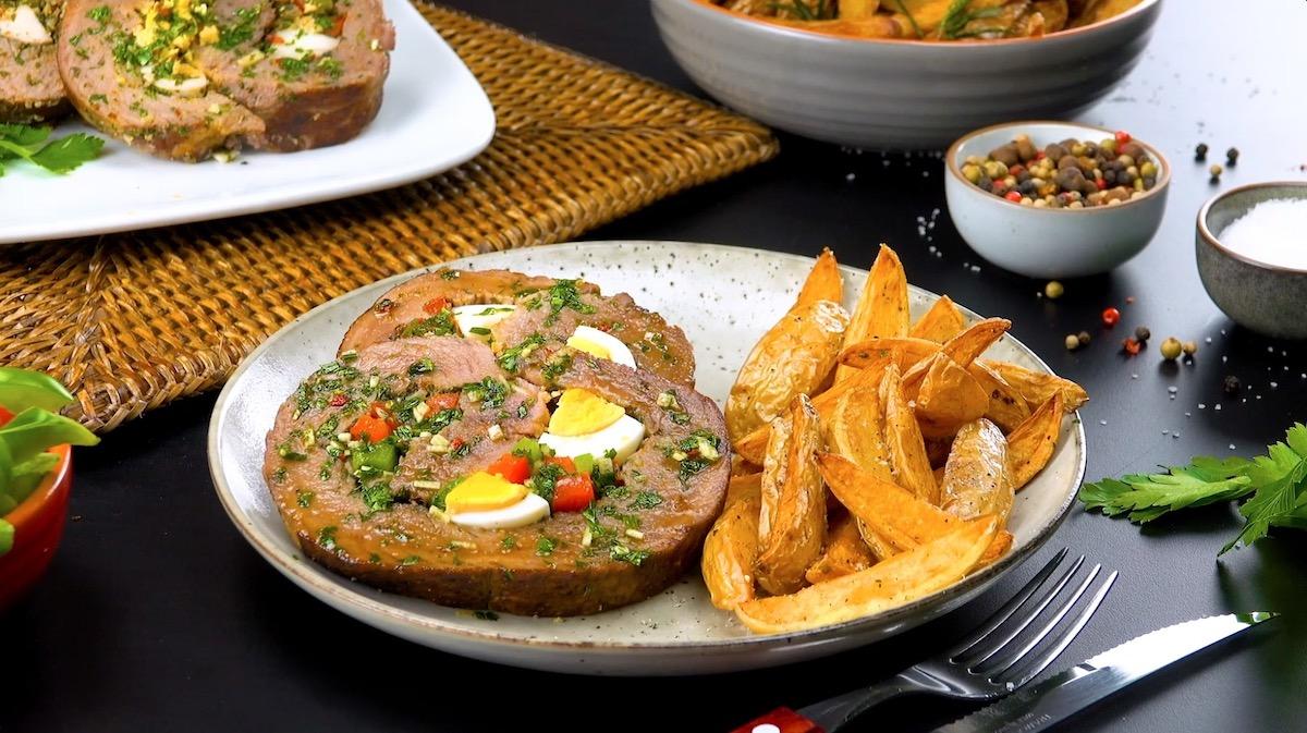 Matambre argentino, l'involtino di carne con salsa chimichurri