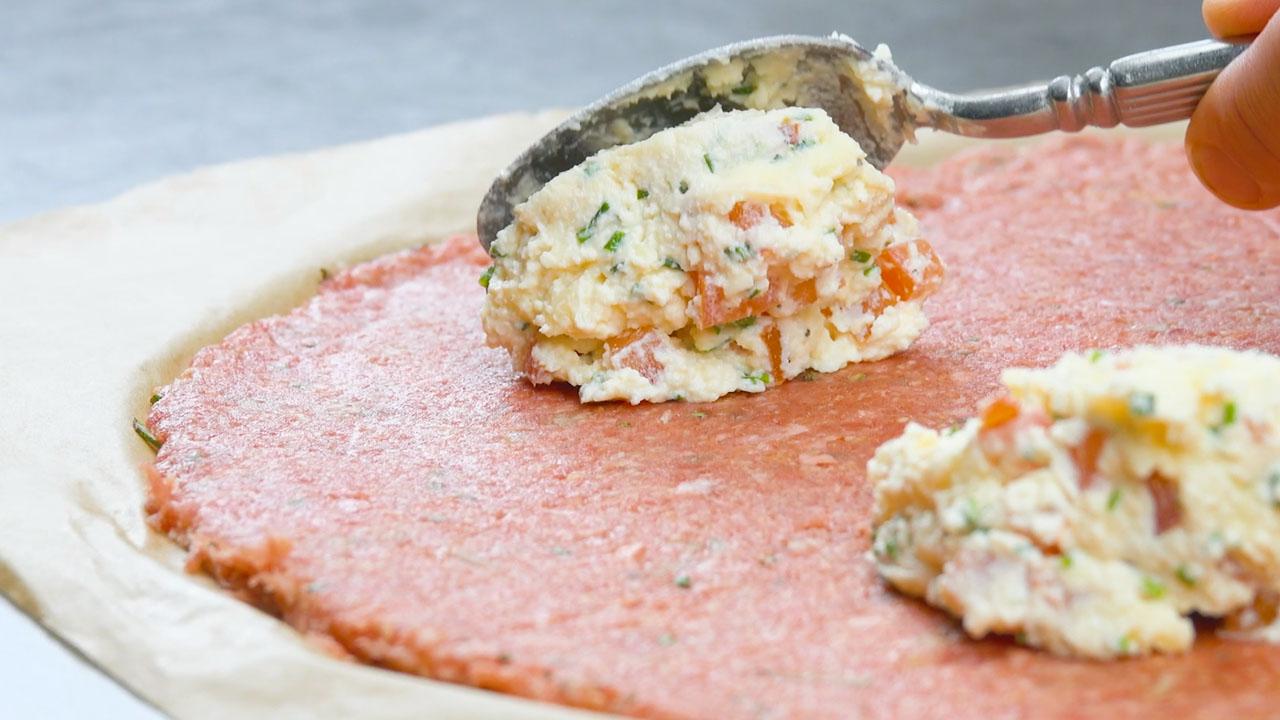 Crema di formaggio sulla carne macinata