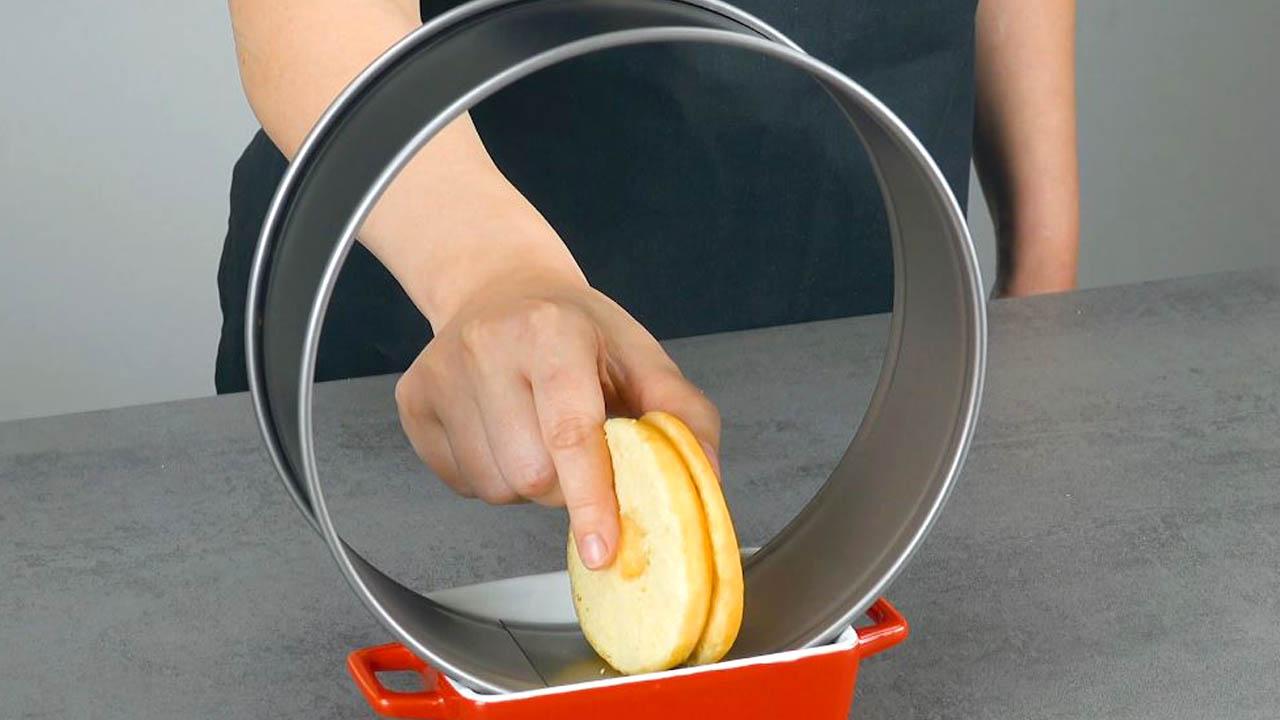 Ciambelle dolci nell'anello della tegli a cerniera