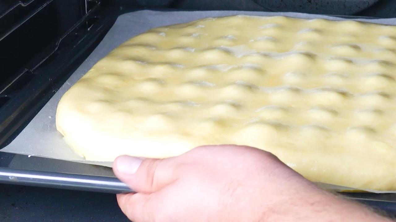 Torta alle ciliegie in forno