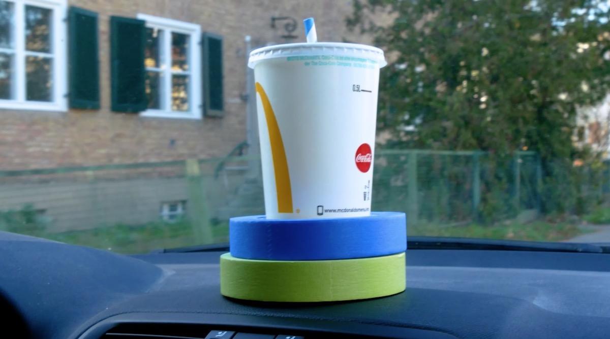 Porta bevande per auto