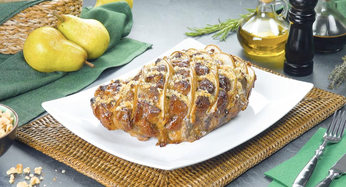 Arrosto di maiale con crema di formaggio fresco, gorgonzola e pere