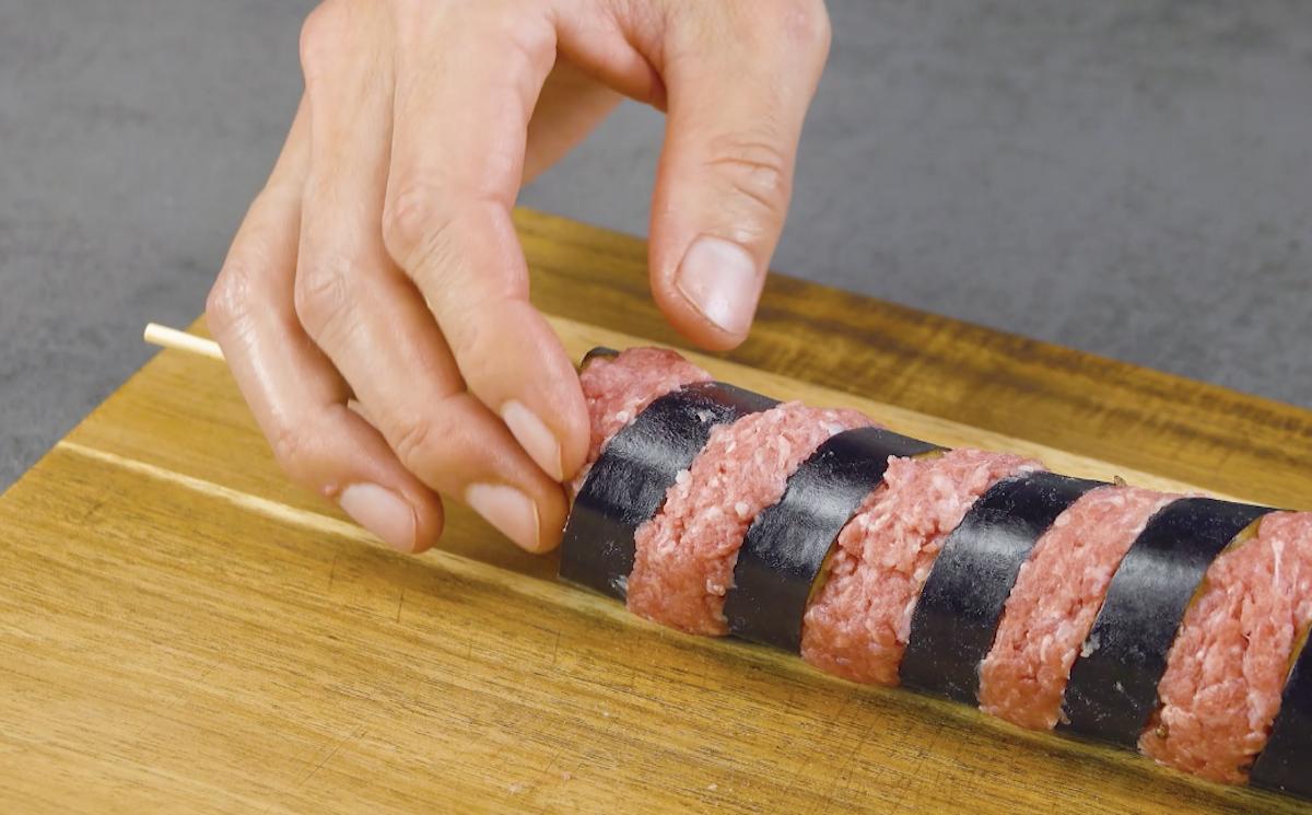 Spiedini di carne macinata e melanzane