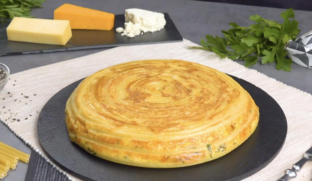 Frittata di pasta al formaggio filante