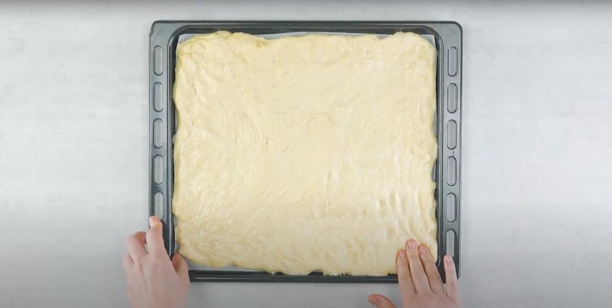 Pasta lievitata in teglia