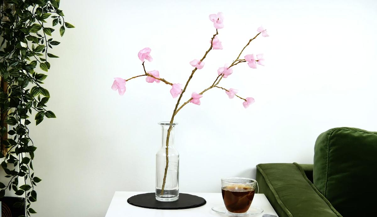 Ramo con fiori di cera