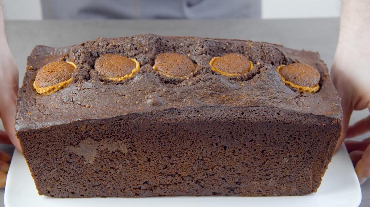 Torta al cioccolato ripiena di torta di carote