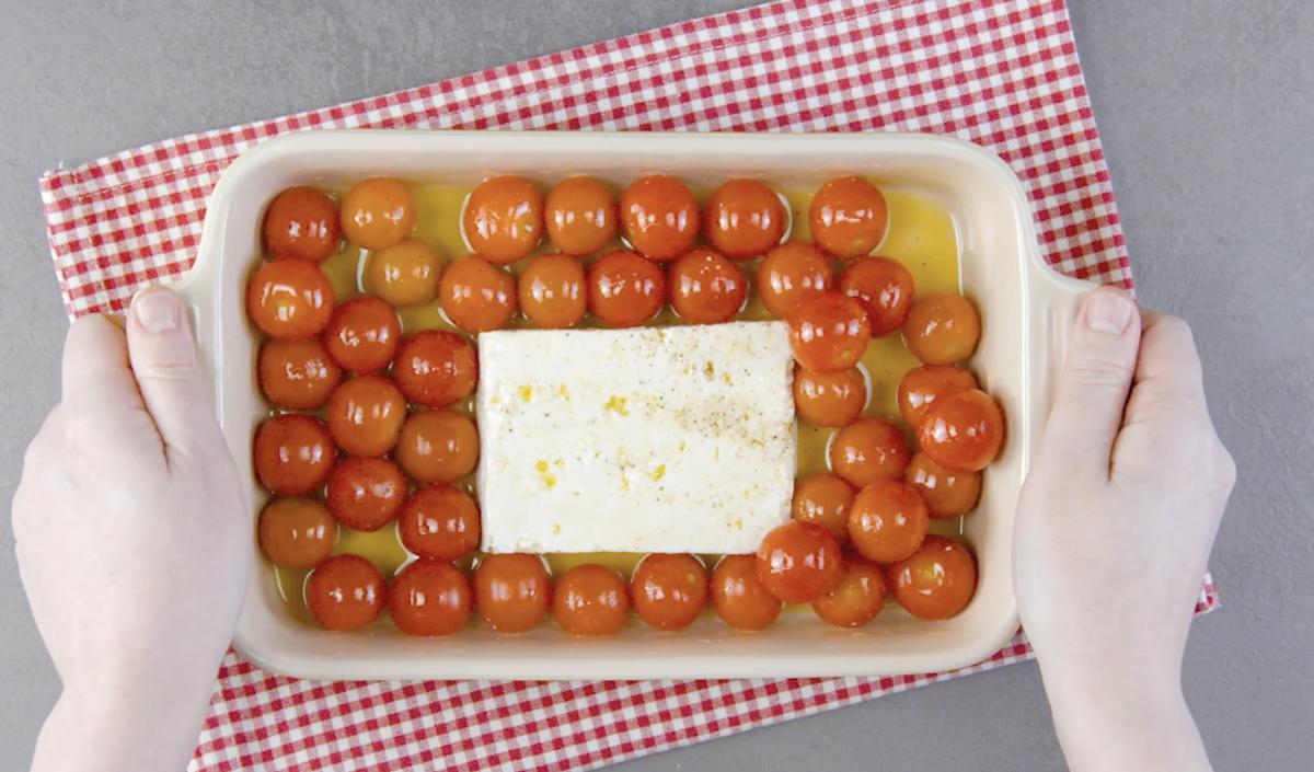 Feta greca con pomodorini al forno