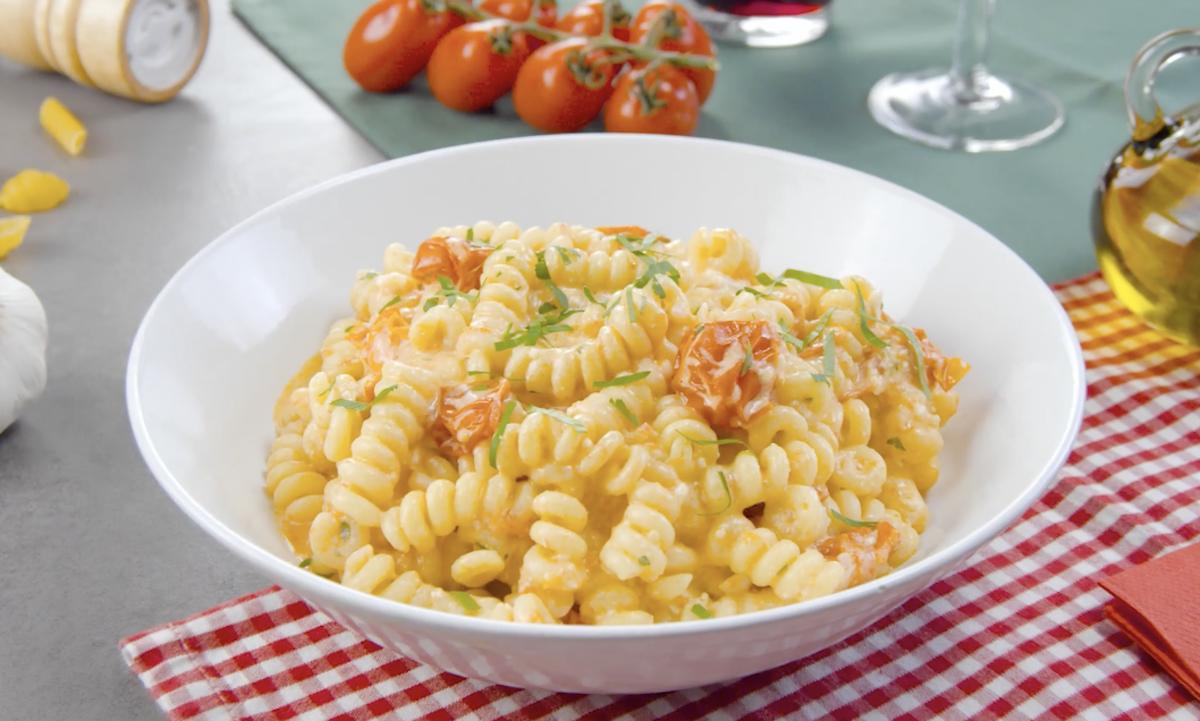 Ricetta pasta con feta greca e pomodorini